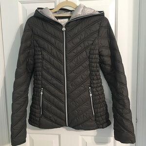 Lightweight Puffer Jacket with Hood